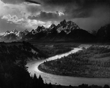 Figura 2. The Tetons and the Snake River, Fotografía en película blanco y negro. Ansel Adams, 1942.