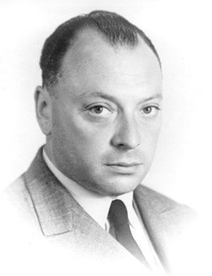 Fotografía retrato del pasaporte de Pauli para un viaje a Princeton, NJ (USA). Verano de 1940