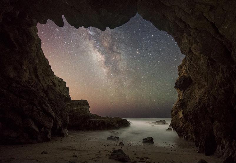 Figura 1 Vía Láctea desde la playa de Malibú, NASA ©Jack Fusco