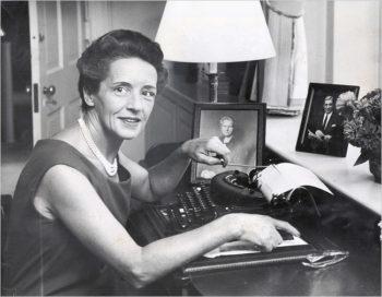 Eva Curie.