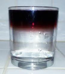 Figura 1: El agua y el vino permanecen separados por un largo tiempo.
